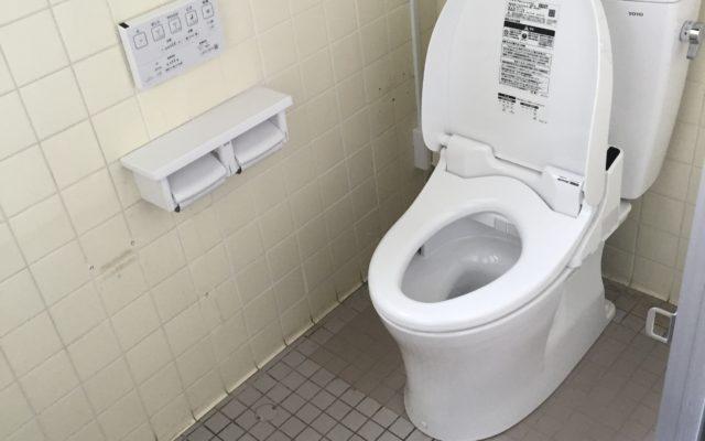 トイレ器具取替え